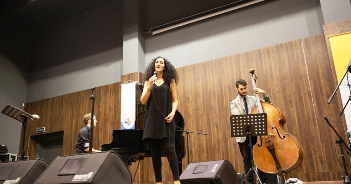 Defne Şahin Band