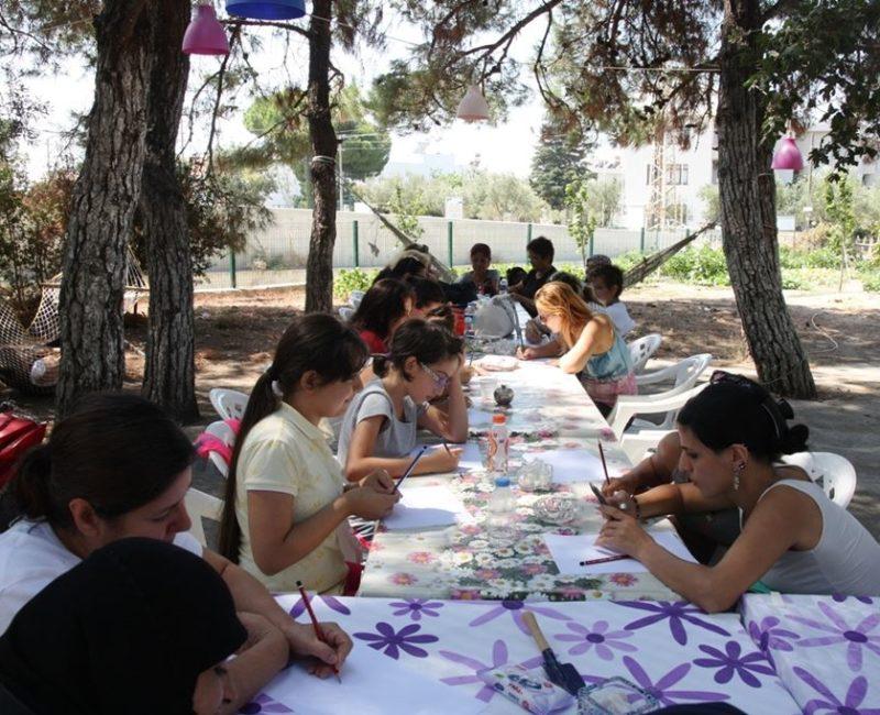 Göçmen Kadınlarla Bienaldeyiz Atölyeleri